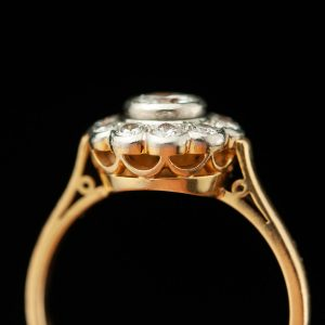 Gold ring with diamonds  0.47 ct & 10x0.4ct
