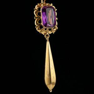 Kõrvarõngad, 750 kuld, sünt. korund
