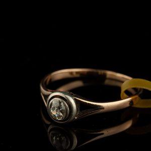 Anriikne sõrmus - kuld 585, briljant