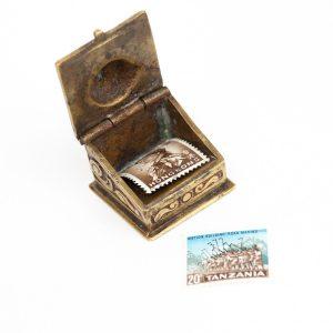 Antiikne karp markide hoidmiseks, pronks
