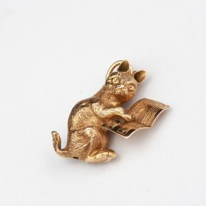 Antique Imperial Russian gold pendant with a cat