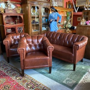 Antiqu leather furniture set sofa + 2 armchairs