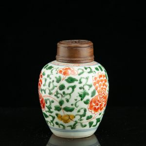 Antique 19th century Chinese porcelain tea jar