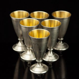 Set of 6 vodka shot glasses on leg