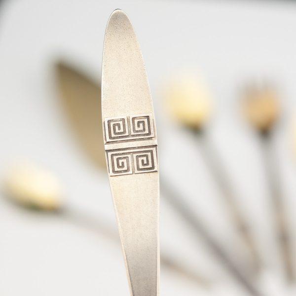 JT tordilabidas ja kahvlid