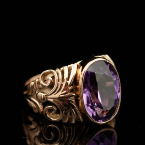 Gold ring with synthetic amethyst