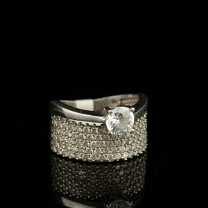 Silver ring with zircone