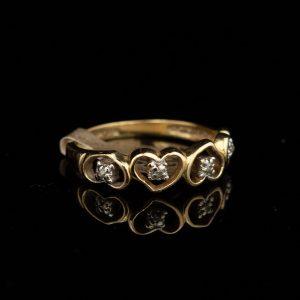 Kuldsõrmus, briljandid