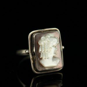Antiikne sõrmus, 800 hõbe, pärlmutter kamee