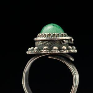 Antiikne sõrmus-karbike, hõbe, nefriit
