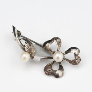 Antique silver brooch with pearls