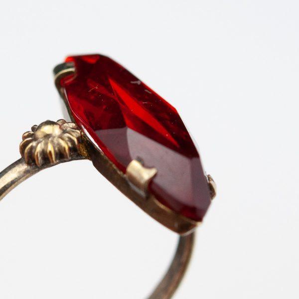 Antiiikne sõrmus, 875 hõbe, punane kivi