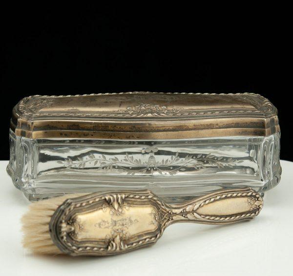 Antiikne klaaskarp, hõbe 875 kaas ja riidehari, 19.saj.
