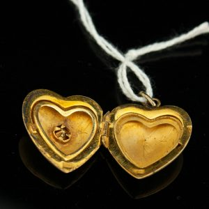 Silver heart shape pendant, gilt