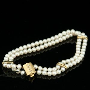 Natural pearls bracelet, 585 gold, diamonds