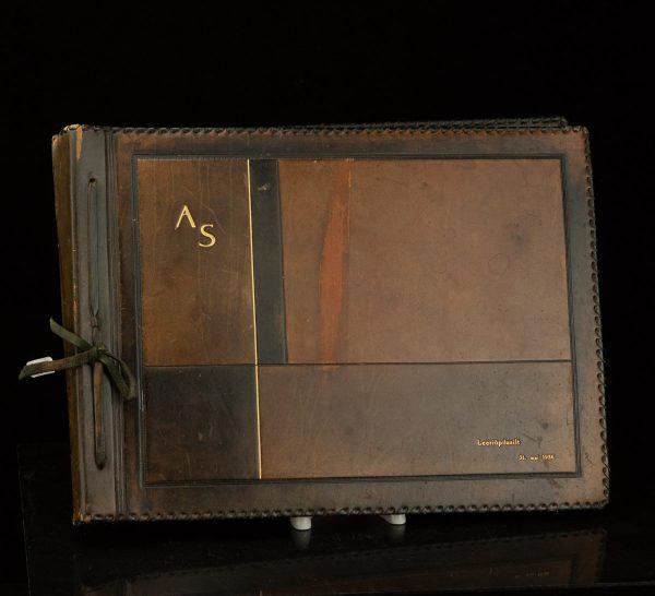 Taska leather photo album