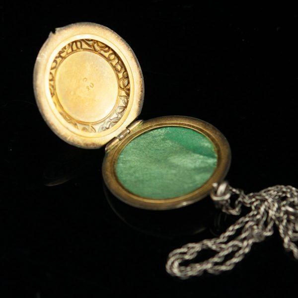 Medaljon ketiga - hõbe emailiga