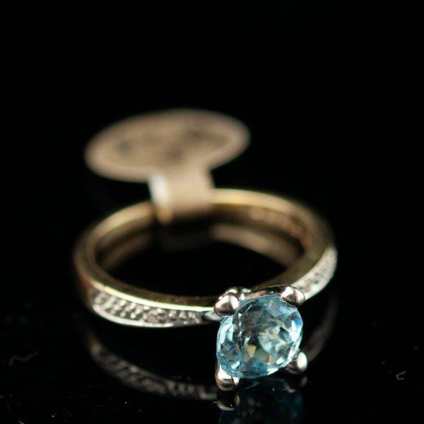 Sõrmus - 585 kuld, topaas