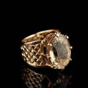Sõrmus - 585 kuld topaasiga