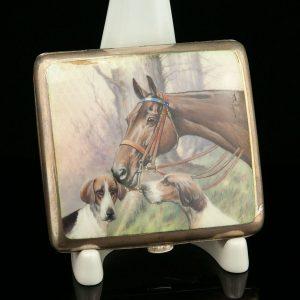 Antiikne hobuste ja jahikoertega portsigar, 900 hõbe emailiga