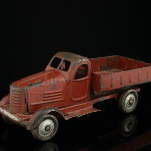 Antiikne plekist mänguauto