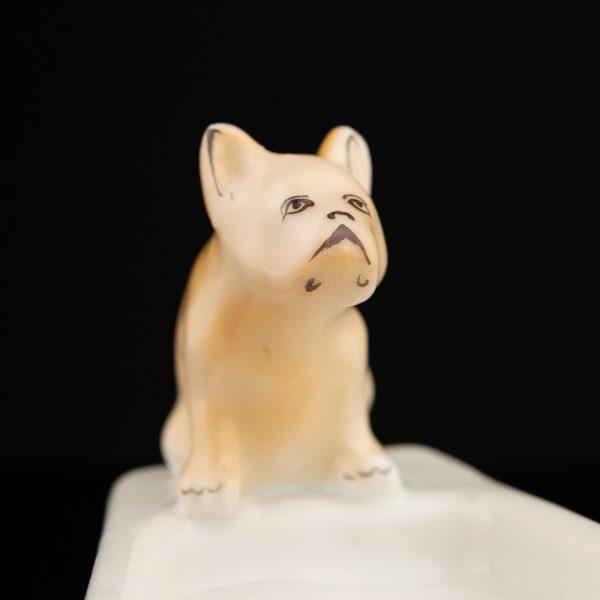 Tuhatoos koera figuuriga - Pervomaiski portselanitehas, Vene