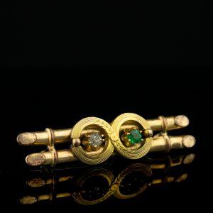 Antiikne pross, kullatud metall rohelise ja valge kiviga
