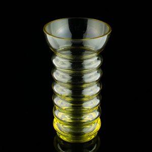 Kollane klaasist vaas