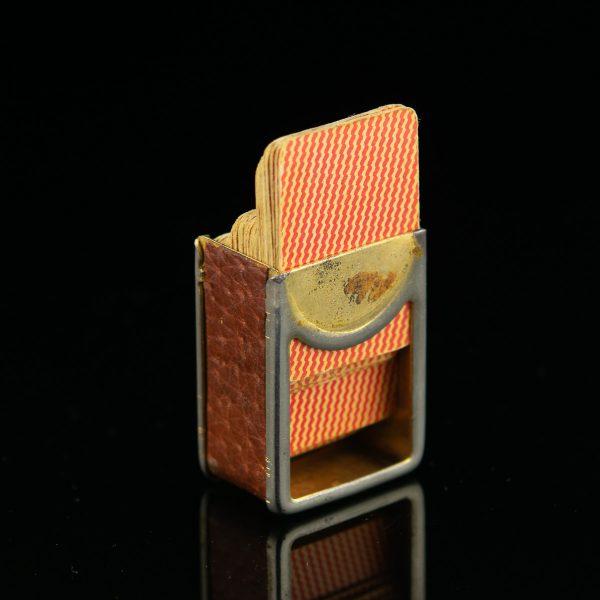 Miniatuursed mängukaardid vutlaris