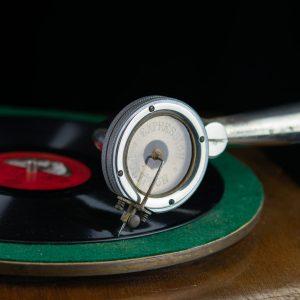 Antiikne toruga grammofon