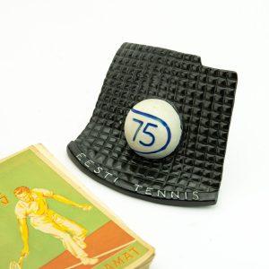 Eesti NSV Tennis 2. Aastaraamat 1949a, keraamiline tennisepall -75 Eesti tennis ja autasu