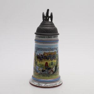 Antiikne militaarteemaline õllekapp Kahuriga