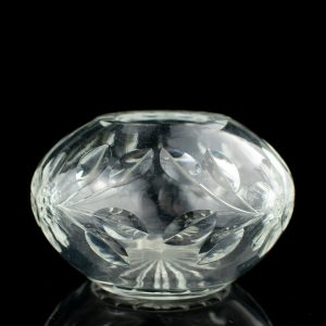 Antiikne kristallist väike vaas