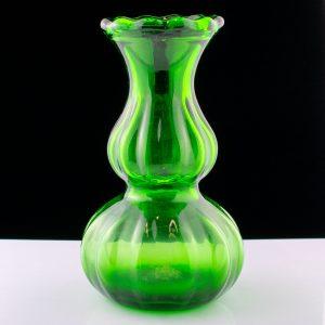 Rohelisest klaasist vaas