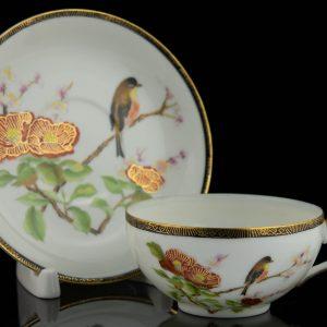 Portselanist tass ja alustass geishaga,Jaapan