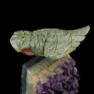 Ametüstist Papagoi kuju