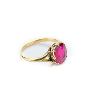 Kuldsõrmus suurus 16.5 - punane kivi, 583 kuld