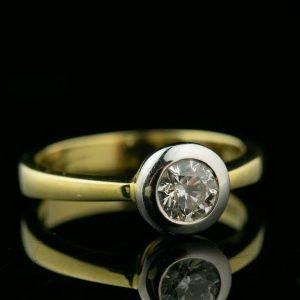 Kuldsõrmus 0.6ct briljandiga, suurus 17 - kuld 585, tootel sertifikaat
