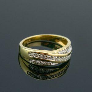 Kuldsõrmus suurus 17, kuld 585, briljandid