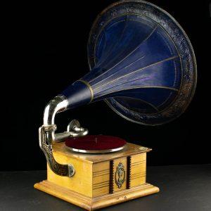 Antiikne toruga grammofon Chicago Trade Mark