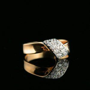 Kuldsõrmus suurus 17,7 kuld 585 tsirkoonid