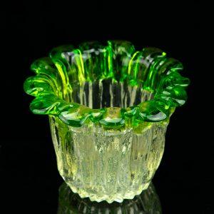Klaasist vaas rohelise randiga, Soome