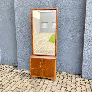 Funkstiilis  peegel kapiga