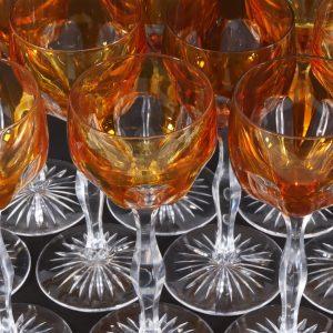 Kristallist kõrgel jalal veinipokaalid 6 tk, oranž