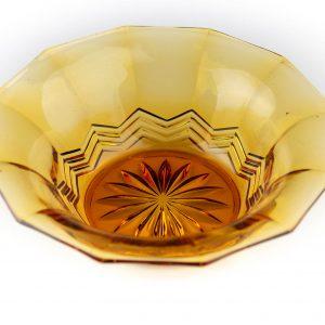 Kollakaspruun klaasist kauss