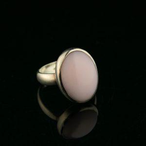 Sõrmus roosa kvartsiga, suurus 17 hõbe 925