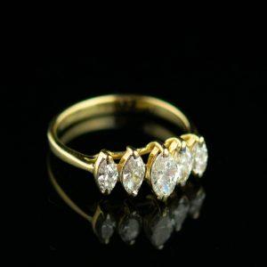 Sõrmus suurus 16,5 - 14kar kuld, briljandid 1,2 ct - tootel on sertifikaat
