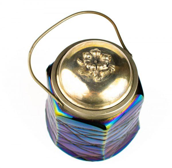 Sinisest klaasist toos metall kaanega