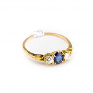 Sõrmus suurus 18, kuld 56, safiir 0,53ct briljandid 0,36ct