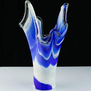 Klaasist sinine-valge vaas,Eesti